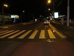 V Zlíně srazil 74 letý řidič stejně starého muže na přechodu pro chodce . Řidič při dechové zkoušce nadýchal 0,18 promile alkoholu.