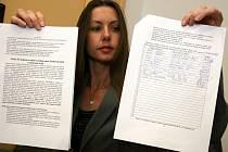 PODEPÍŠETE? Simona Lakousta už tento týden nasbírala několik desítek podpisů. Petici chce stáhnout až v polovině června.