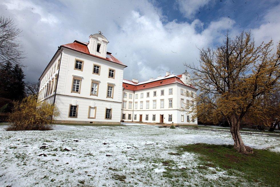 Jarní úklid na Státním zámku Vizovice.