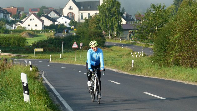 Abhejali Bernardová (44) from the Sri Chinmoy Marathon Team completed her Dover-Prague ultratriathlon, in which she covered a total of 1111 km (34 km swimming, 895 km cycling, 182 km running) in three disciplines.  It took her 7 days, 12 hours and 5 minutes.