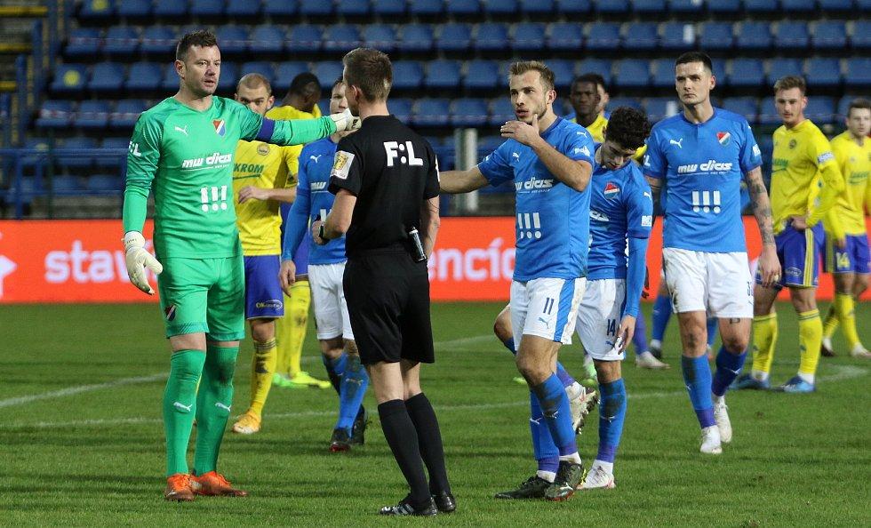 Fotbalisté Zlína (ve žlutých dresech) v 16. kole FORTUNA:LIGY remizovali s Baníkem Ostrava 1:1.