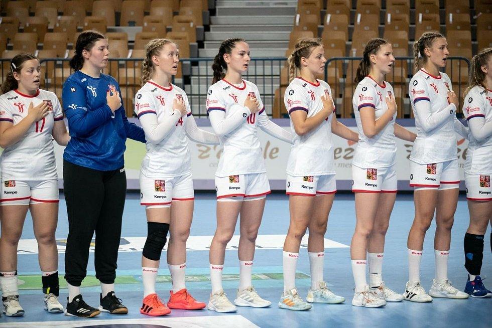 Národní výběr juniorských házenkářek pod vedením trenéra Dušana Poloze na ME v Celje obsadil 10. místo a navíc si vybojoval právo startu na nadcházejícím MS.