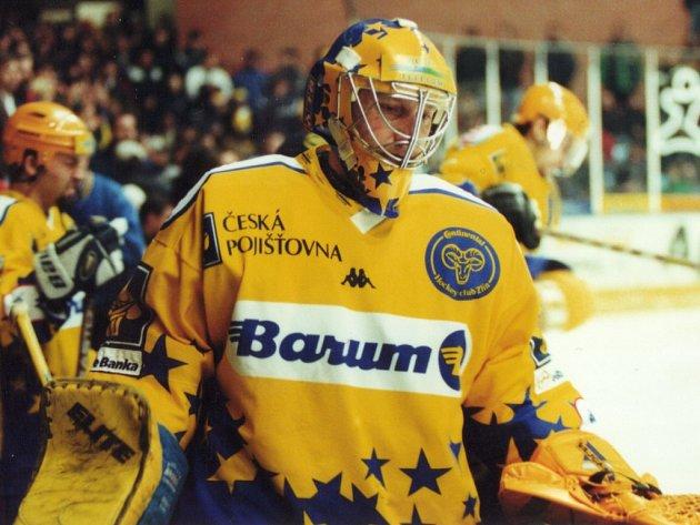 VLÁÁĎA HUDÁČEK, skandovali zlínští hokejoví fanoušci na přelomu století. Po odchodu Jaroslava Kameše měli nového hrdinu, rodáka z Českých Budějovic přijali za svého.