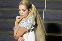 Miss World Taťána Kuchařová při focení.