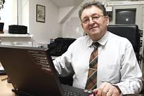 Soudní znalec Václav Ransdorf odpovídal na Zlínském deníku on-line.