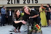 55. mezinárodní festival filmů pro děti a mládež ZLÍN FILM FEST 2015  Odhalování hvězd na chodníku slávy.  Lucie Zedníčková a Jan Potměšil.