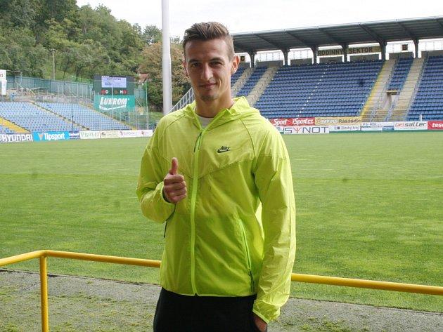 Fotbalista Vukadin Vukadinovič.