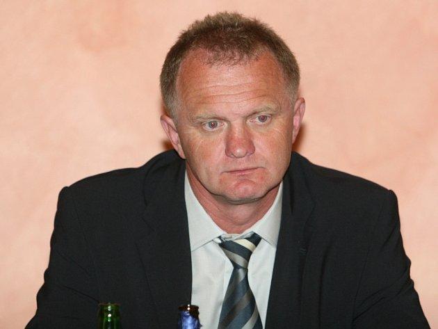 Trenér zlínských hokejistů, Zdeněk Venera.