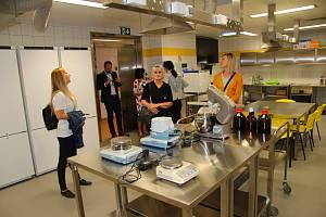 Laboratoř výroby potravin rostlinného původu. Technologická laboratoř slouží pro výuku výroby běžného pečiva, těstovin, ale také bezlepkových výrobků, které jsou v současnosti na trhu velmi žádanou komoditou.