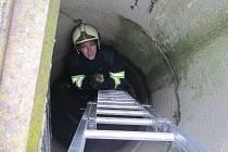Záchrana kotěte ze studny zabrala jen pár minut