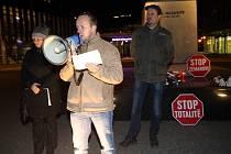 Demonstrace proti totalitě na nám. TGM ve Zlíně. Ivo Daněk