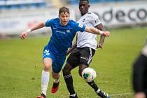 Fotbalisté Zlína (v bílých dresech) prohráli v Liberci 0:1.