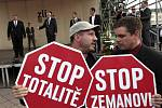 Návštěva prezidenta Miloše Zemana ve Zlínském kraji. Náměstí Míru ve Zlíně
