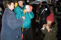V Otrokovicích se 16.11.2016 konal tradiční průvod s ohňostrojem