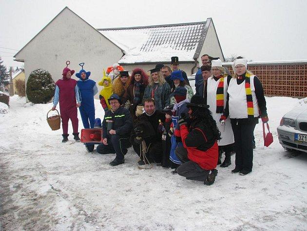 V Machové na Zlínsku uspořádal místní sbor dobrovolných hasičů tradiční vodění mědvěda.