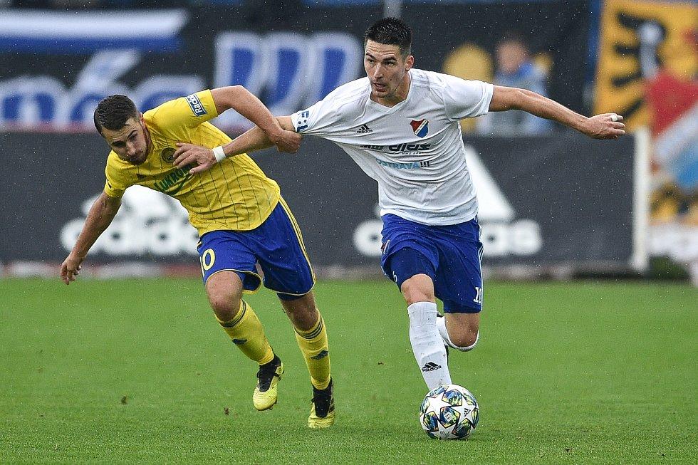 Utkání 12. kola první fotbalové ligy: Baník Ostrava - Fastav Zlín, 5. října 2019 v Ostravě. Na snímku (zleva) Dominik Mašek a Robert Hrubý.