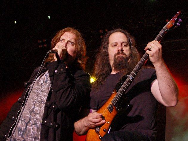 Američtí progresívní metalisté Dream Theater. Ilustrační foto.