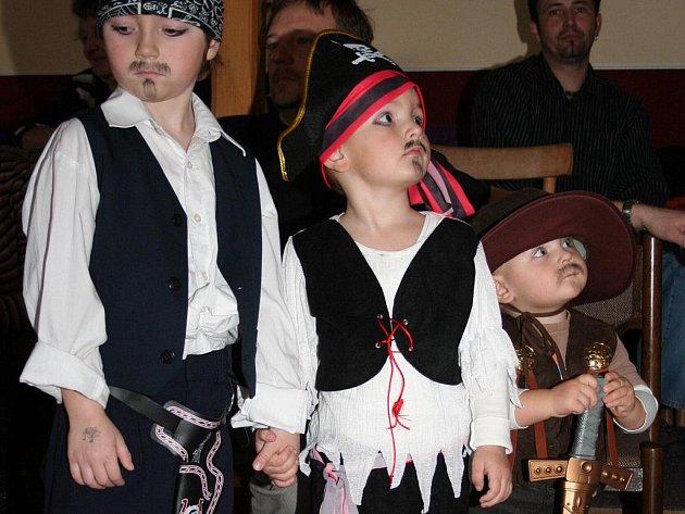 Karnevalový rej plný pirátů v Biskupicích