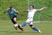 Luhačovické béčko se s věrnými fanoušky rozloučilo divokou výhrou 9:2 nad Pozlovicemi. Jistý vítěz okresního přeboru Zlínska rozhodl sobotní derby sedmi brankami ve druhém poločase.