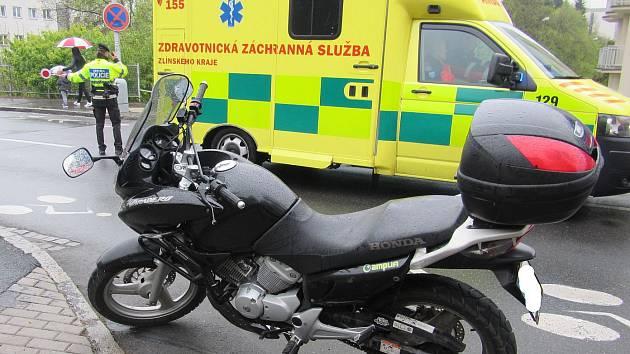Ve Zlíně boural motorkář.