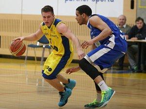 Basketbalisté Zlína (ve žlutém). Ilustrační foto.