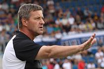 Trenér Zlína Csaplár při derby v Uherském Hradišti