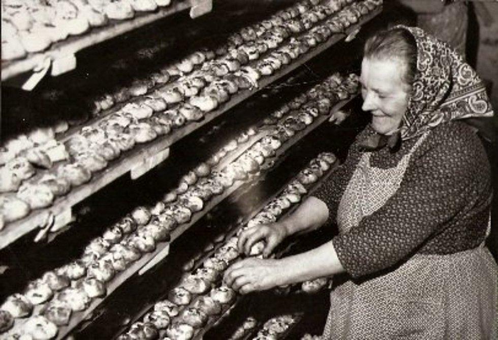Unikátní téměř stoletá parní pec v Halově pekárně ve Vizovicích v říjnu 2020.