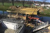 Ve Zlíně začala oprava lávek přes řeku Dřevnici.