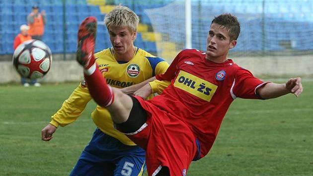 Jakub Jugas (ve žlutém)