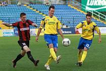II .liga, Zlín – Opava, ve žlutém zlínský Zdeněk Kroča