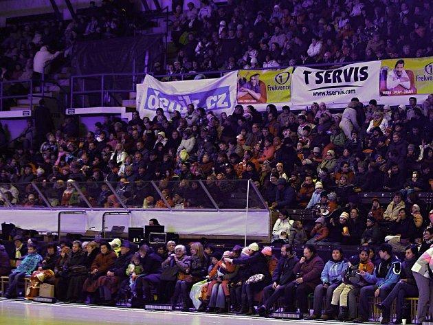 Popelka na ledě měla ve Zlíně úspěch. Čtyřikrát ji sledovalo vyprodané hlediště Zimního stadionu Luďka Čajky.