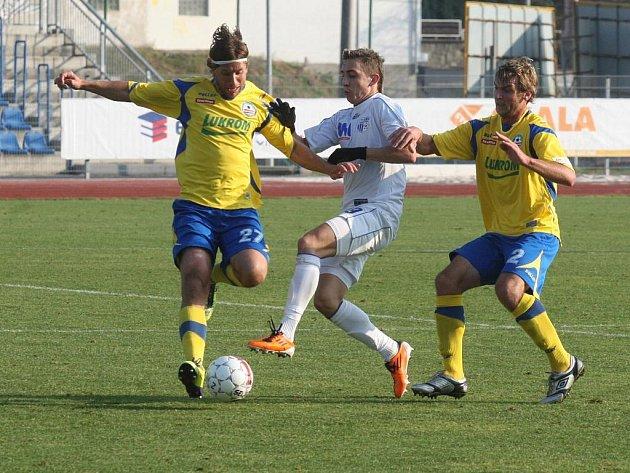 Fotbalisté Zlína (ve žlutém). Ilustrační foto