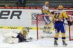 Hokej Zlín (ve žlutomodrém) - Litvínov
