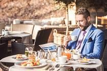 Snídaně. Wellness žití neprosazuje manažer Petr Borák jen v hotelu, ale aplikoval ho také do svého života. Zdravá snídaně je podle něj základ celého dne.