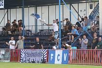 Fotbalisté Otrokovic (v modrobílých dresech) ve středu nedali šanci diviznímu Šumperku.