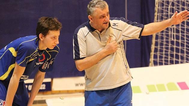 Trenér Roman Macek (vpravo). Ilustrační foto.