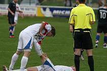 Čeští amatérští fotbalisté (v bílém) porazili ve druhém zápase kvalifikace o mistrovství Evropy Chorvatsko 4:1. Češi odehráli druhý duel během tří dnů, i proto hráče brali ve druhé půlce křeče.