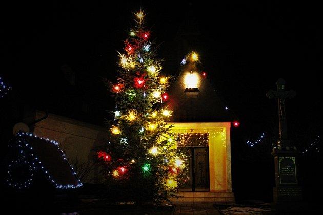 Vánoční strom Štítná nad Vláří - Popov