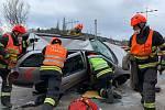 Dopravní nehoda dvou aut si  v Doubravách na Zlínsku vyžádala tři zraněné.