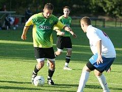 Na svého střelce Michal Huťku (v zeleném) se budou opět spoléhat divizní fotbalisté Napajedel.