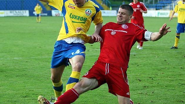 Fotbalisté Zlína (ve žlutém) doma porazili Třinec 3:1.