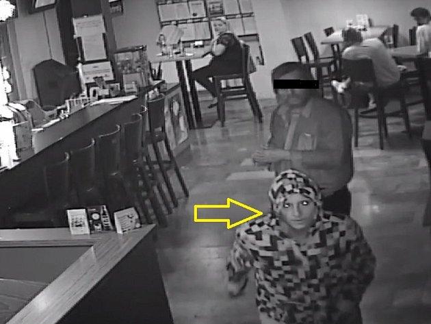 Hledaný muž, který přepadl bar ve Zlíně.