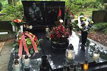 Letecké neštěstí 7. září v roce 2011 bylo tragédií, která ochromila celý hokejový svět. Zahynul i hokejista Karel Rachůnek
