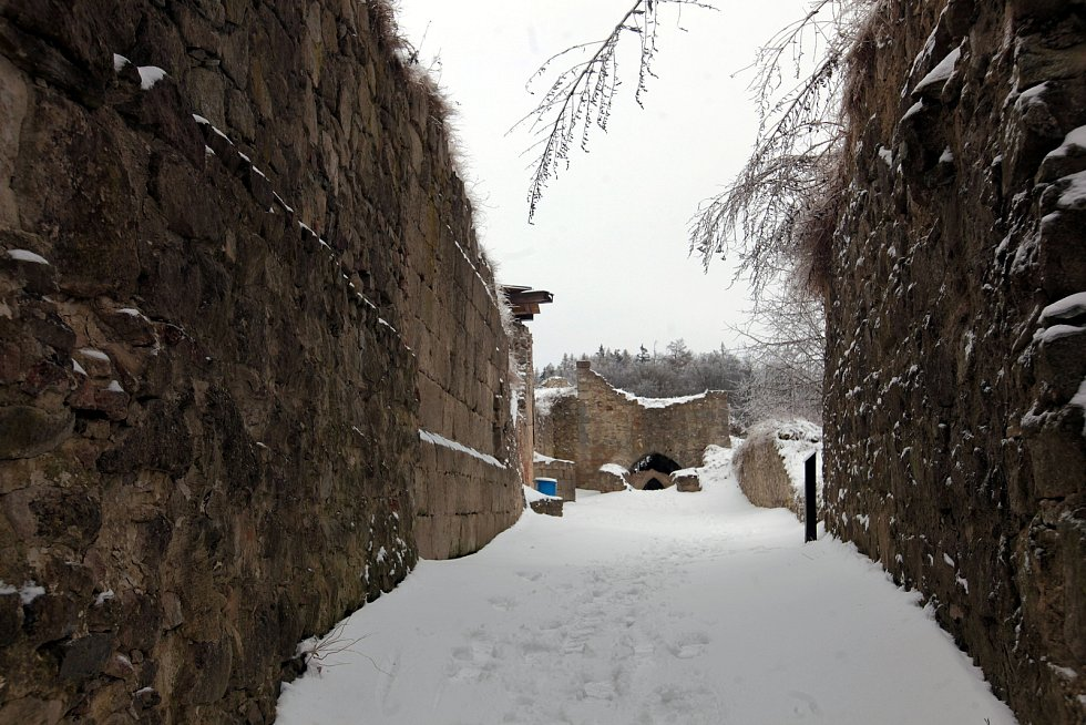 Hrad Lukov v únoru 2021.