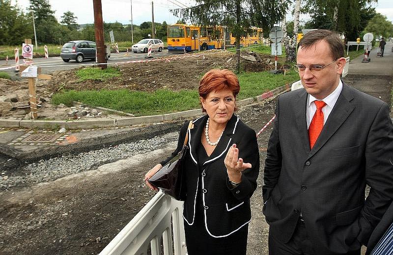 Irena Ondrová s premiérem Petrem Nečasem v roce 2010