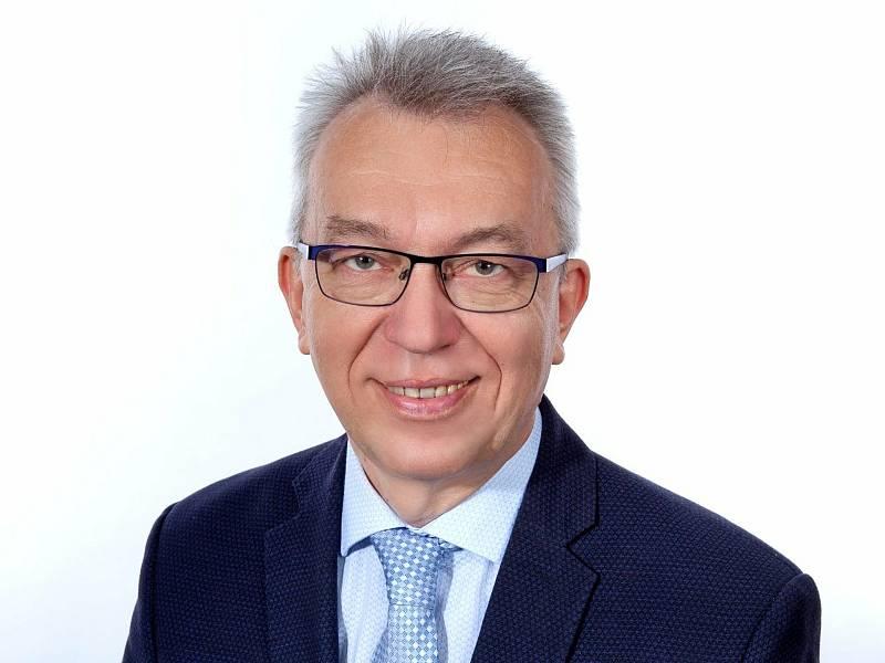 Róbert Teleky (KDU-ČSL) 54 let, Vsetín, působí jako lékař a radní města