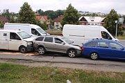 Ve Zlíně se srazilo v úterý odpoledne pět aut. Do nemocnice převezli čtyři lehce zraněné.