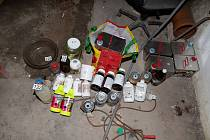 Krajští kriminalisté rozkryli síť výrobců a distributorů pervitinu.