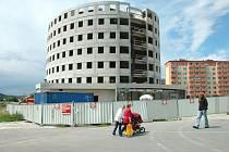 Výstavba hotelu Atrium v Otrokovicích.