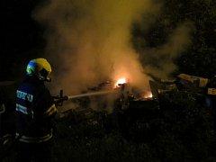 V noci z pátku na sobotu vyjely tři jednotky hasičů k požáru domku v okrajové části Napajedel, v ulici Zámoraví.
